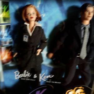 X-FILES Scully Mulder Barbie & Ken Dolls Vintage